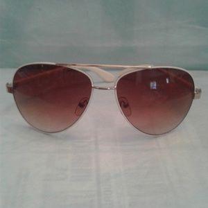 💥🛫 Aviator-style Sunglasses ✈️